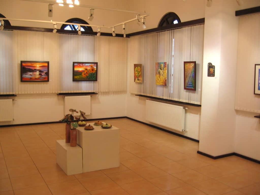 """традиционната изложба """"Есенен салон"""""""