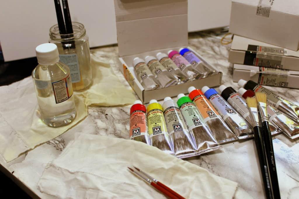 Рисуване с малсени бои на платно